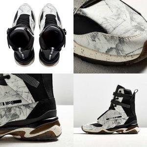 McQ Alexander McQueen Shoes - Puma x McQueen MCQ Tech Runner Mid Graphic  White 8388cf643